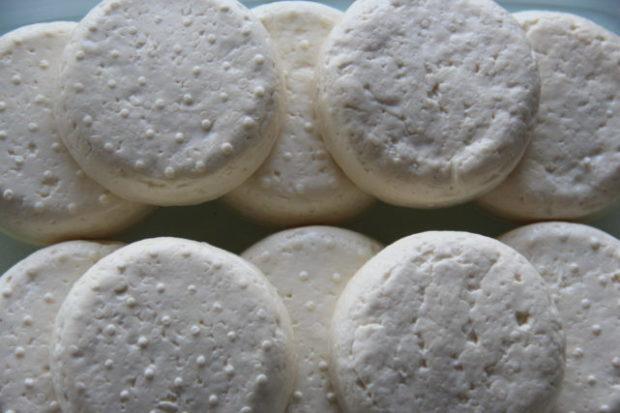 Ysting på kjøkkenet – feta og fersk ost