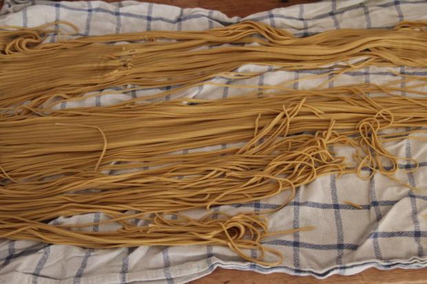 Hjemmelaget pasta – bruk opp eggene! :)