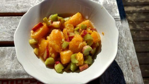 Rabarbra salat – oppskrift